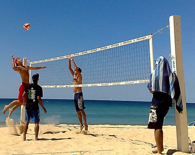 to get trained for beach volleyball  You can go to sideout volleyball    Family Beach Volleyball Fun